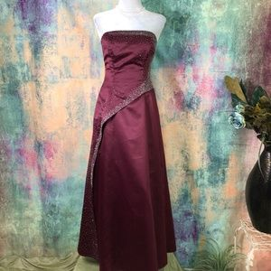 📌📌 Morgan & Co Prom - Bridesmaid - Formal Gown
